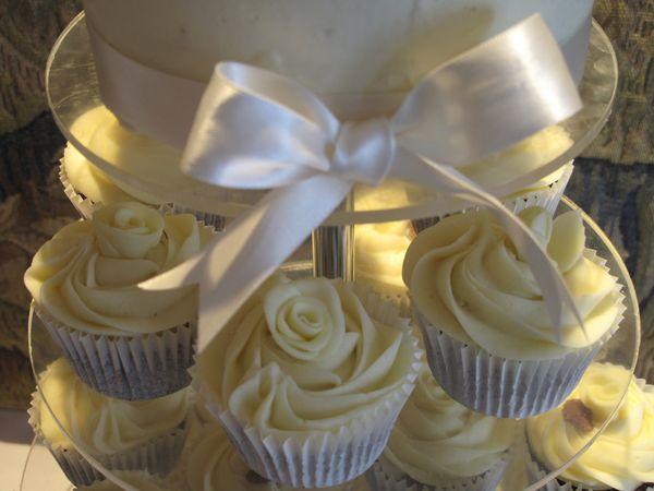 Wonderful Wedding Baking - Miranda Gore Browne